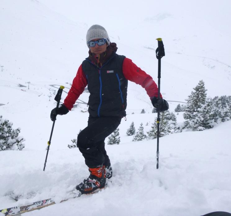 Con las nuevas Atomic Backland Carbon. Muy buena bota para esquí alpinismo, y bien rígida para el descenso!! A la venta en Gorgol Free Mountain (Sallent de Gallego)