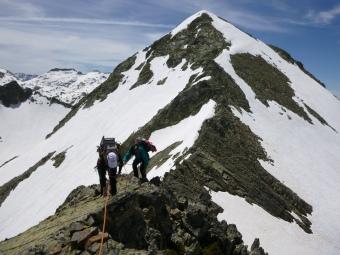 En la cresta de Marcadau, primeras cumbres de la travesía