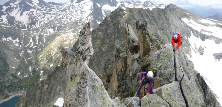 escaladas con guia Pirineos.jpg