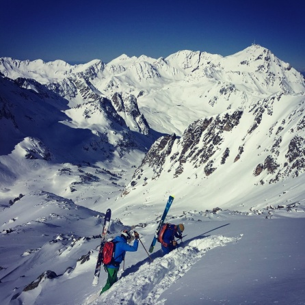 Free riding in Midi de Bigorre, the Pyrenees mecca for backcountry skiing