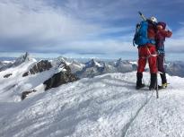 Momentos de alegría...Una cosa que se repite en las cumbres alpinas