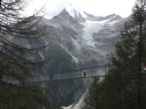En el puente colgante del Europaweg, el más largo del mundo, 500m!
