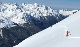 Guía de esqui de montaña splitboard