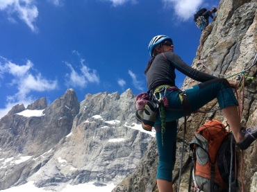 Lucia and Paola, in the crux of the Wets ridge of Pic des Aigles